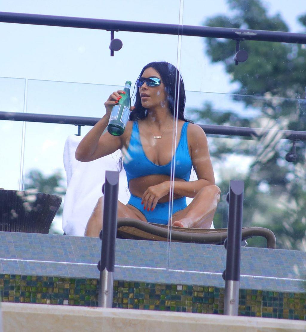 Kim Kardashian Sexy (14 Hot Photos)