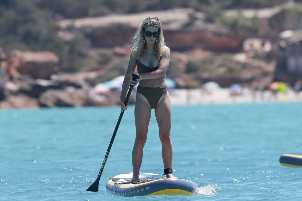Perrie Edwards Sexy (180 Photos)