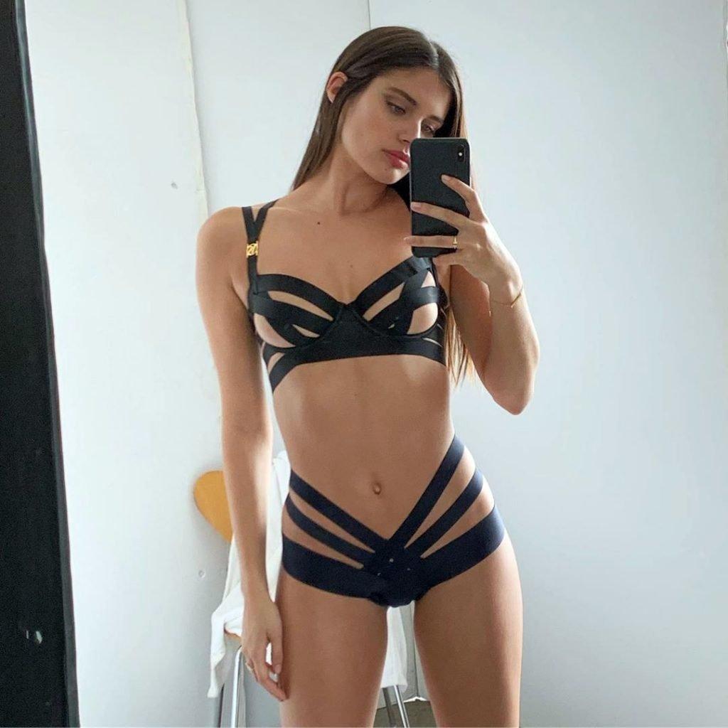 Sara Sampaio Hot (2 Sexy Photos)