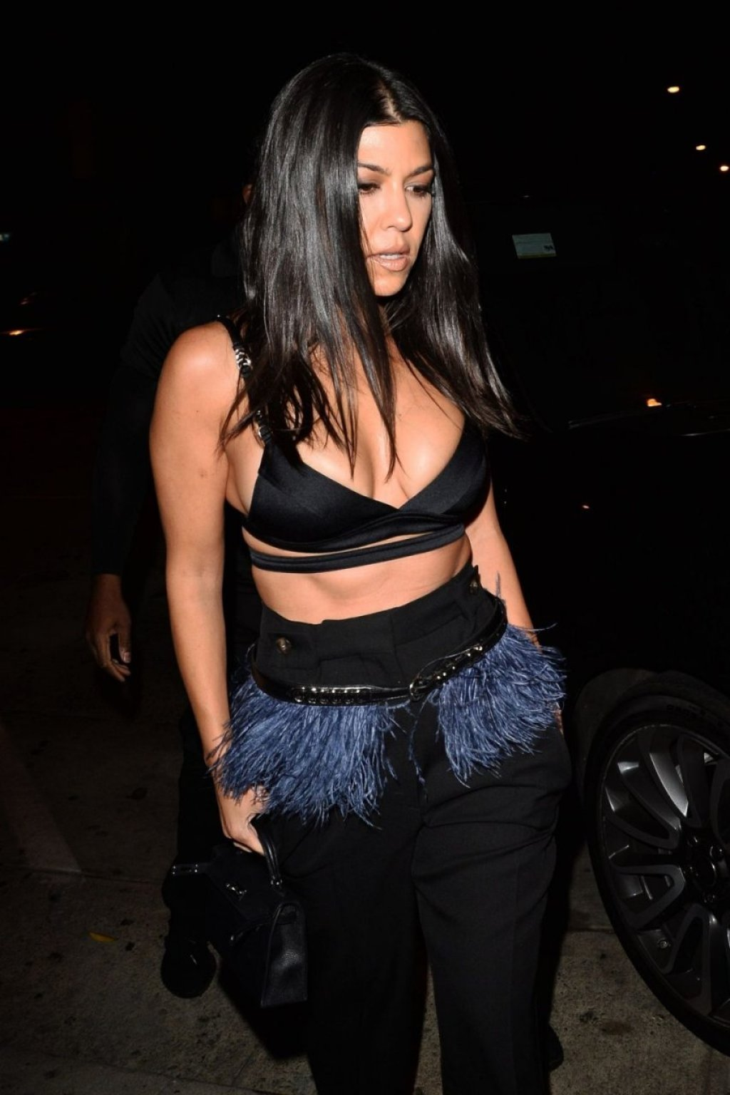 Kourtney Kardashian Sexy (77 Photos)