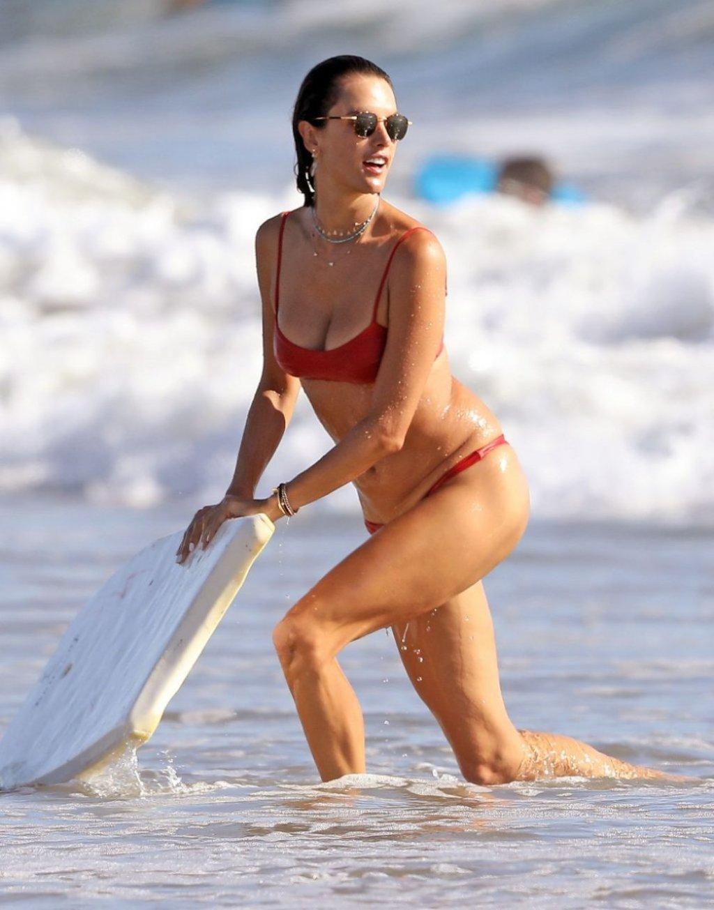 Alessandra Ambrosio Sexy (35 Hot Photos)