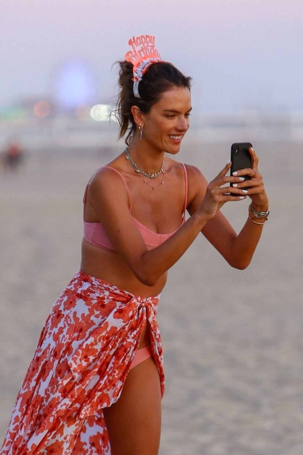 Alessandra Ambrosio Sexy (20 Hot Photos)