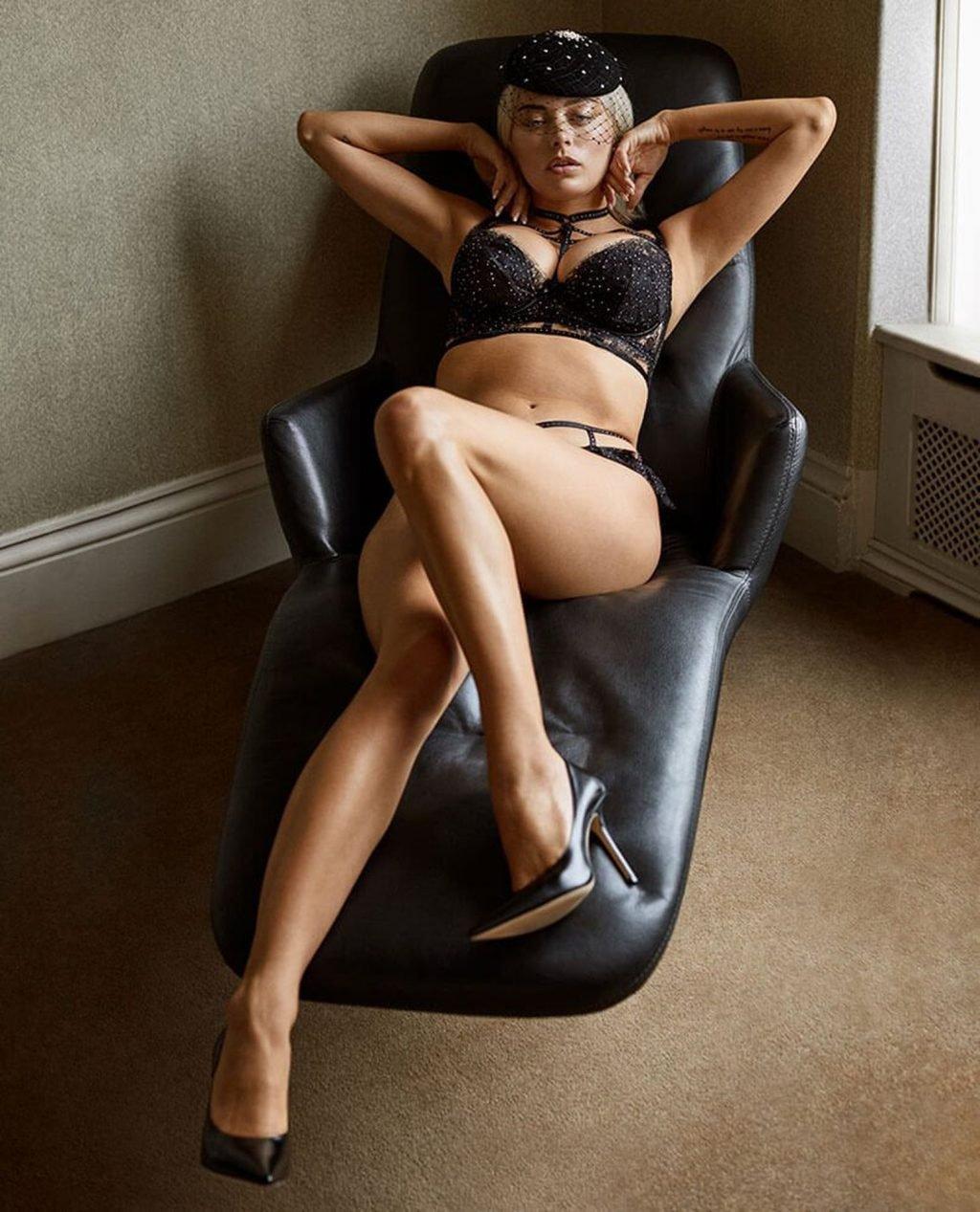 Caroline Vreeland See Through & Sexy (16 Photos)
