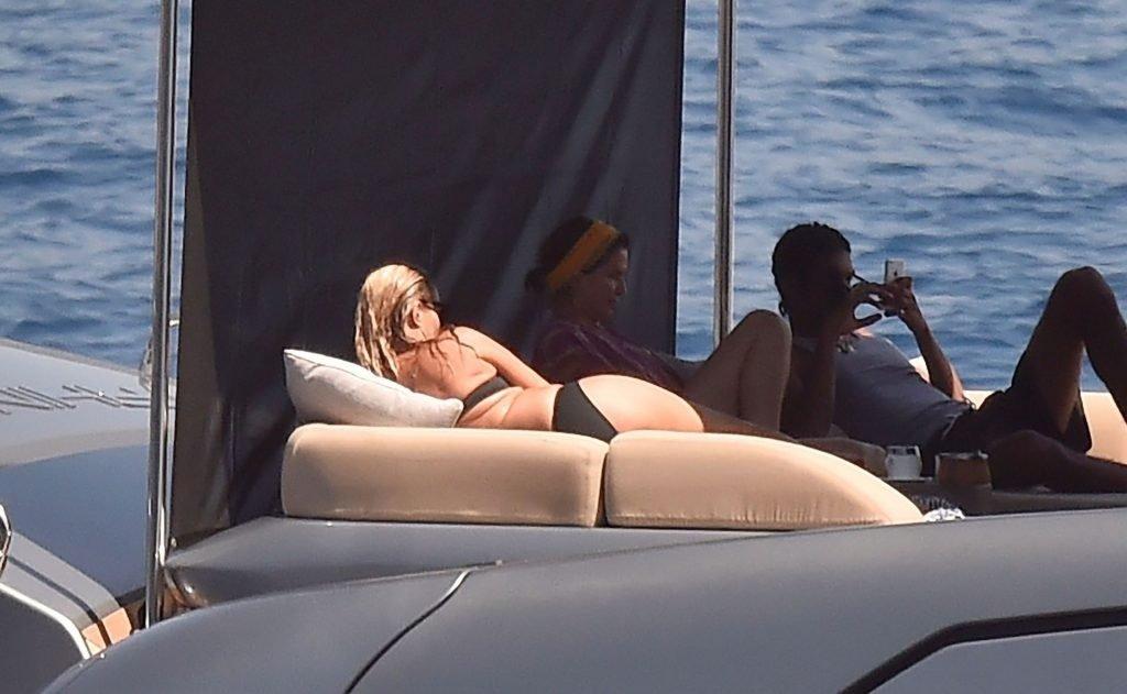 Kate Moss Sexy (69 Photos)