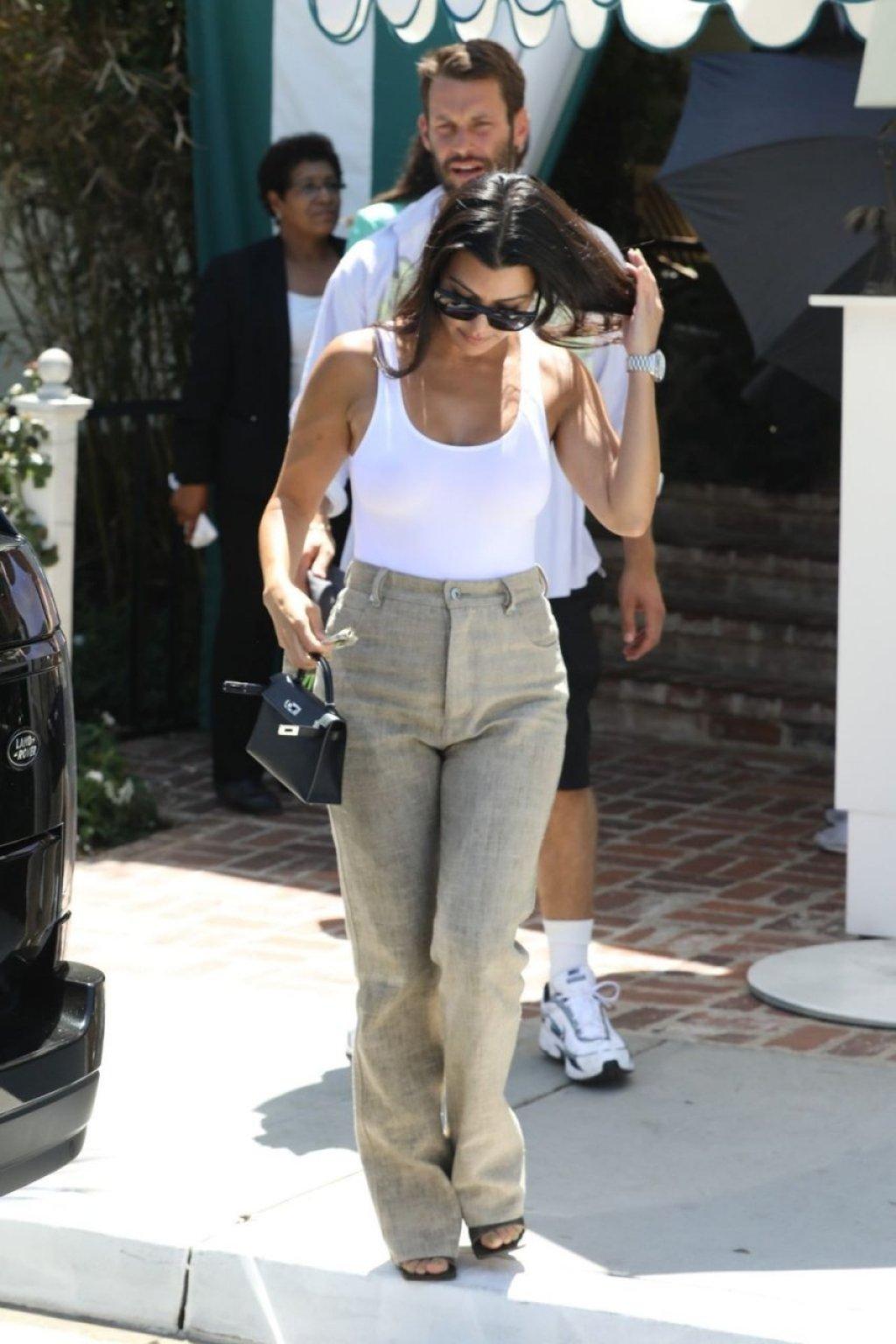 Kourtney Kardashian See Through (158 Photos)