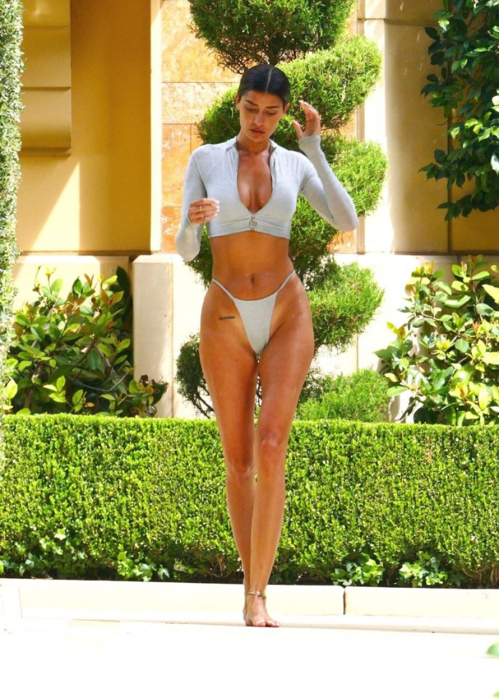 Nicole Williams Sexy (15 New Photos)