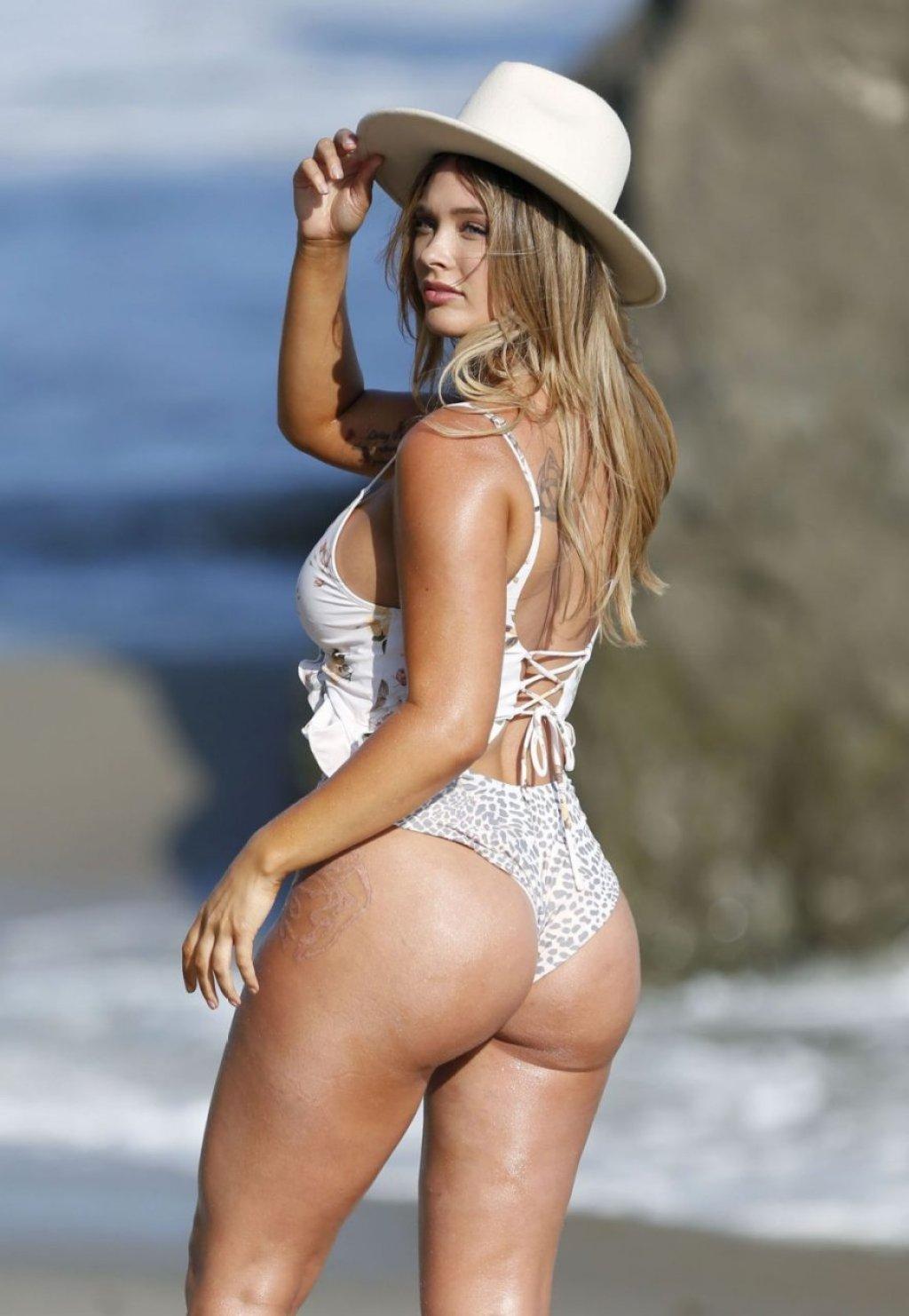 Olivia June Sexy (36 Photos)