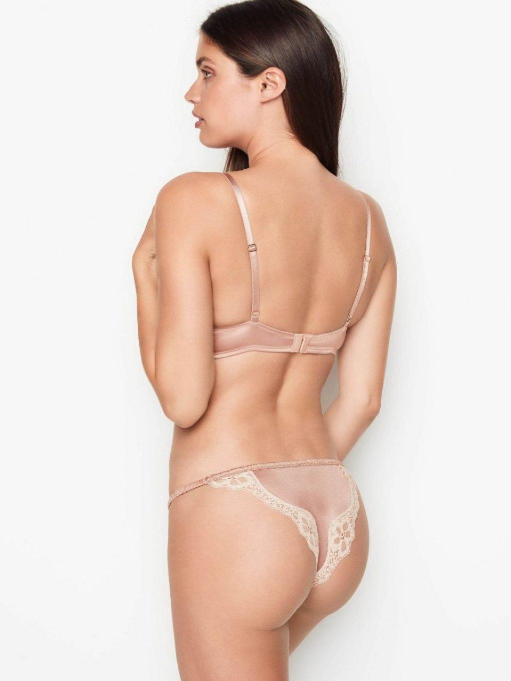 Sara Sampaio Sexy (14 Photos)
