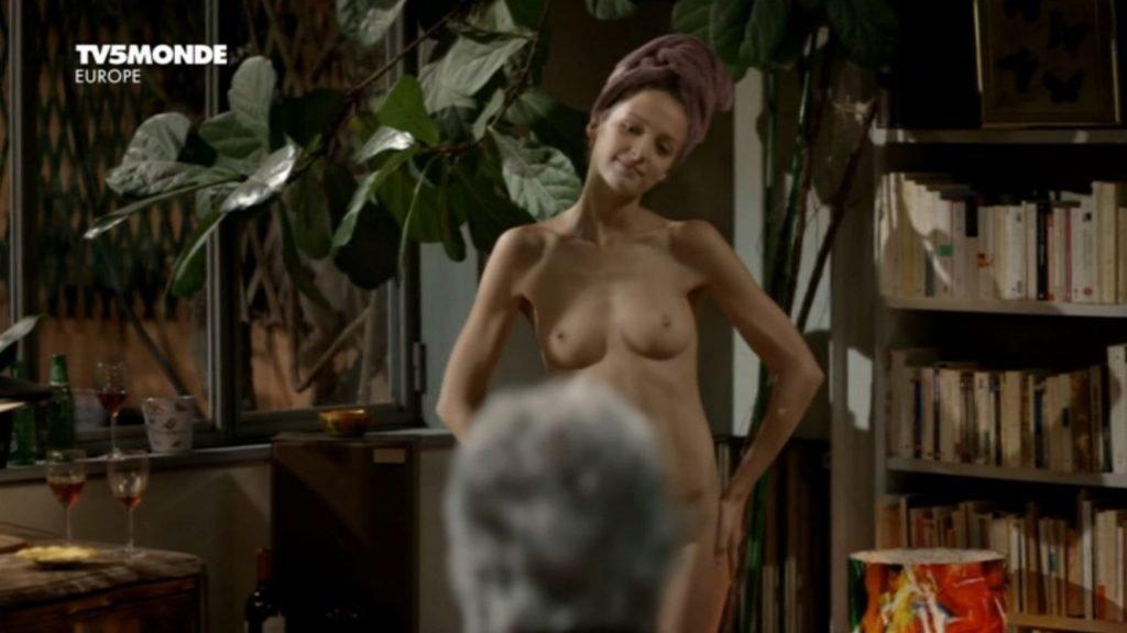 Stéphanie Crayencour Nude – La danse de l'albatros (10 Pics + GIF & Video)