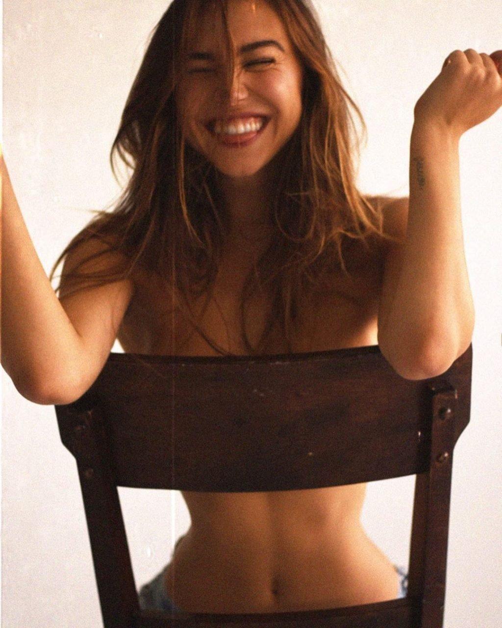 Alexis Ren Sexy & Topless (32 Photos)