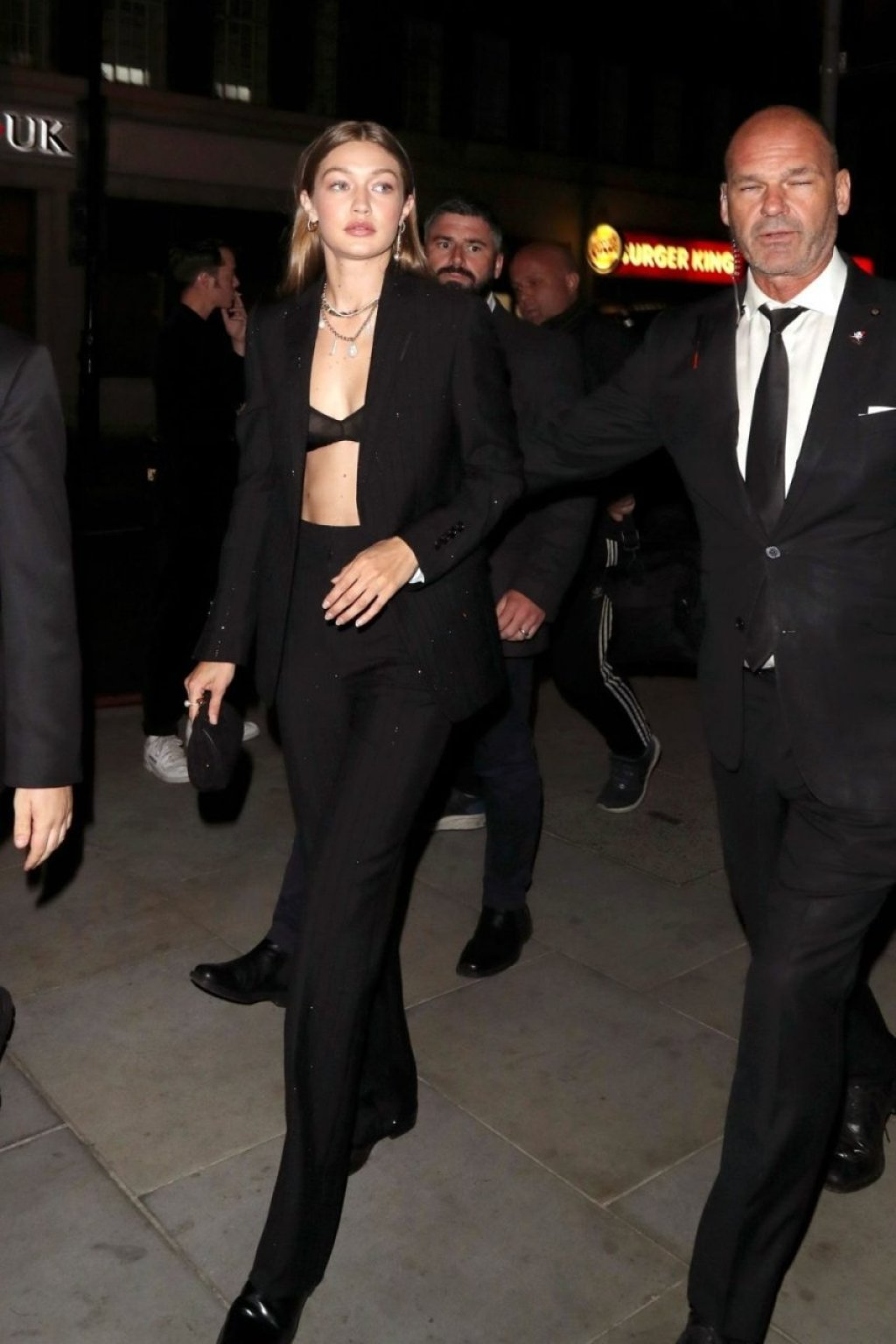Gigi Hadid Sexy (24 Photos)