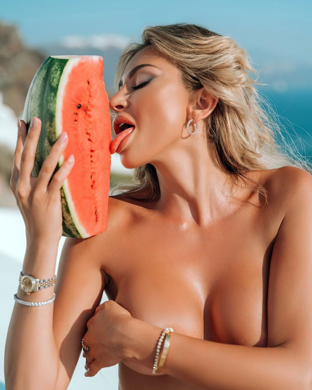 Khloë Terae Sexy & Topless (5 Photos)