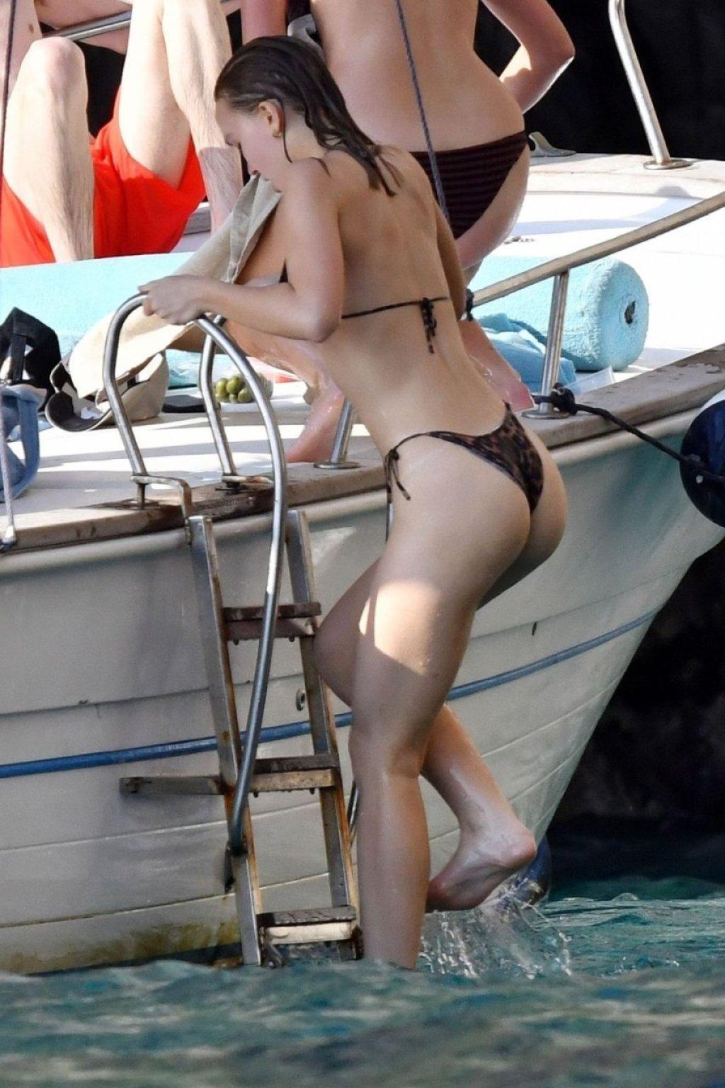 Lily-Rose Depp Sexy (63 Photos)