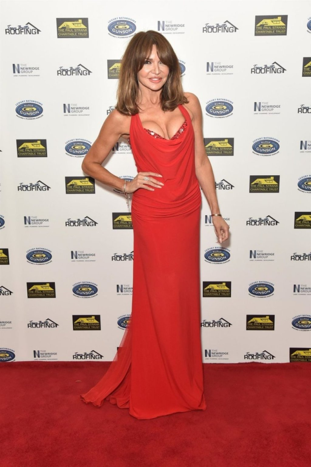 Lizzie Cundy Sexy (13 Photos)