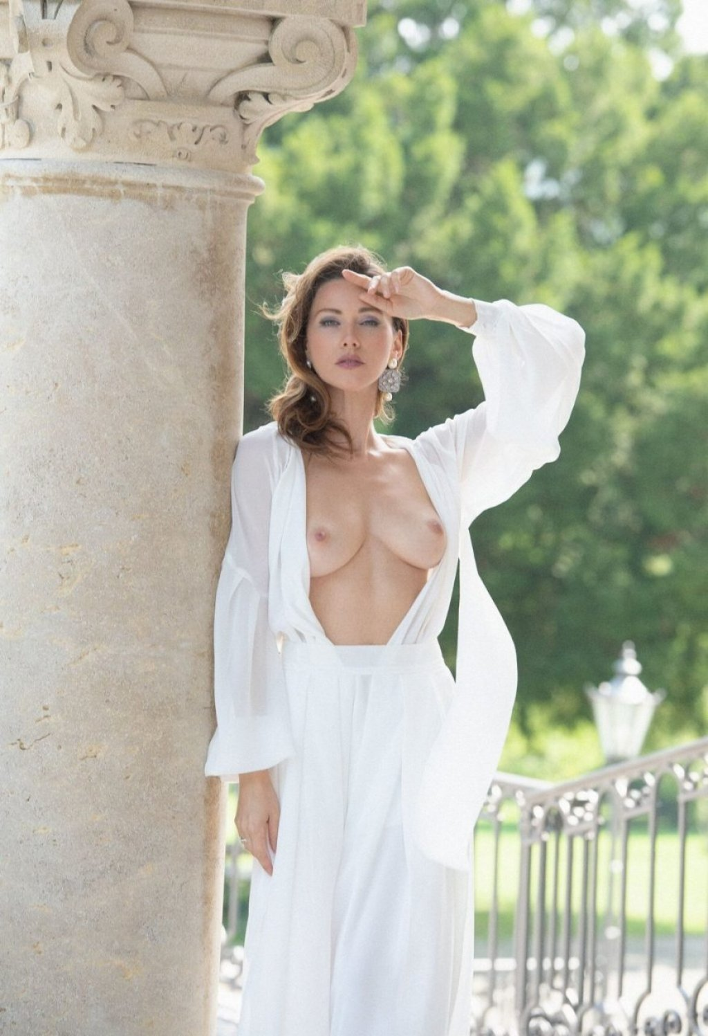 Olga Alberti Nude (7 Photos)