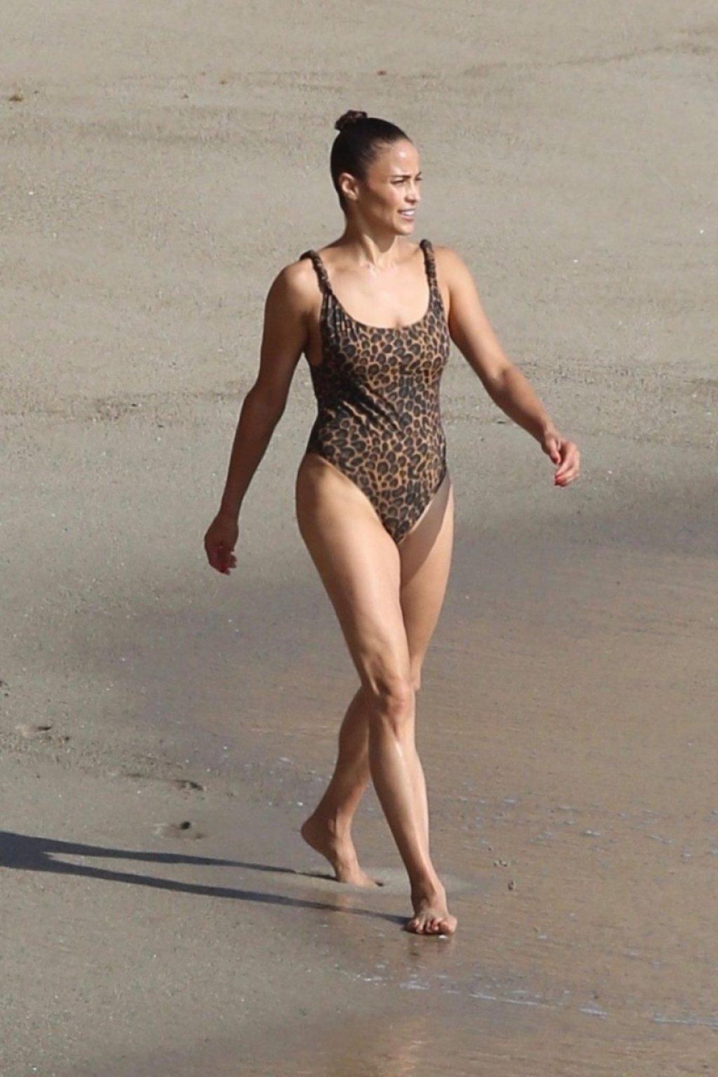 Paula Patton Sexy (83 Photos)