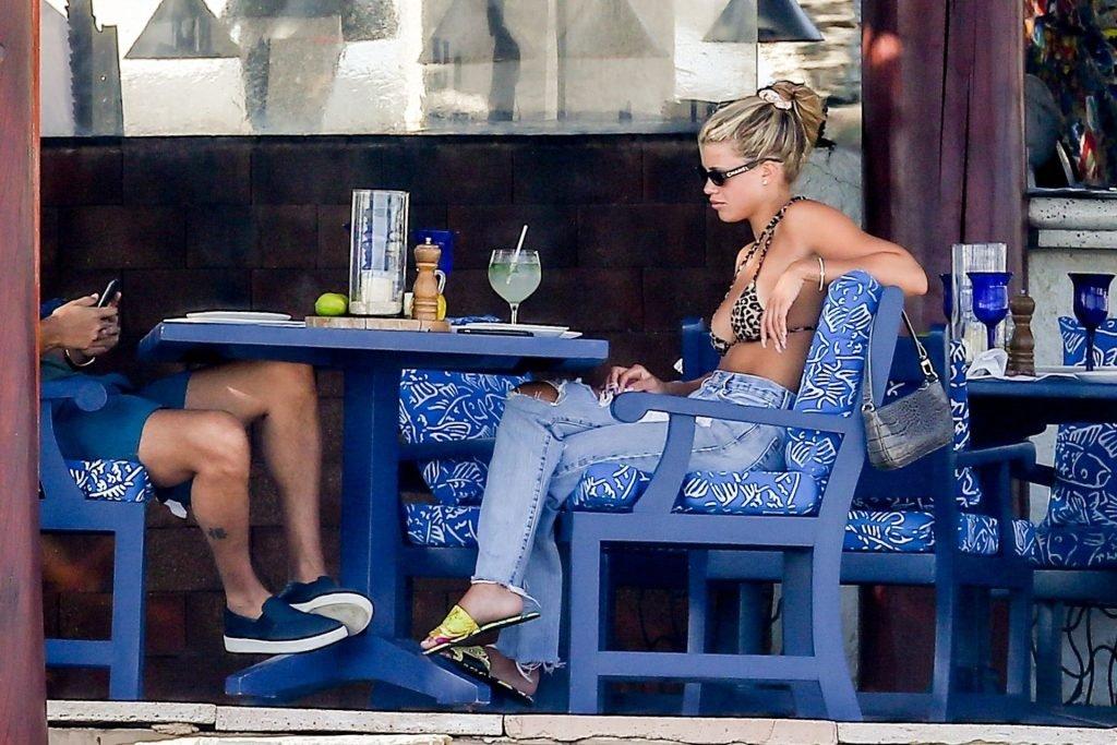 Sofia Richie Sexy (21 Hot Photos)