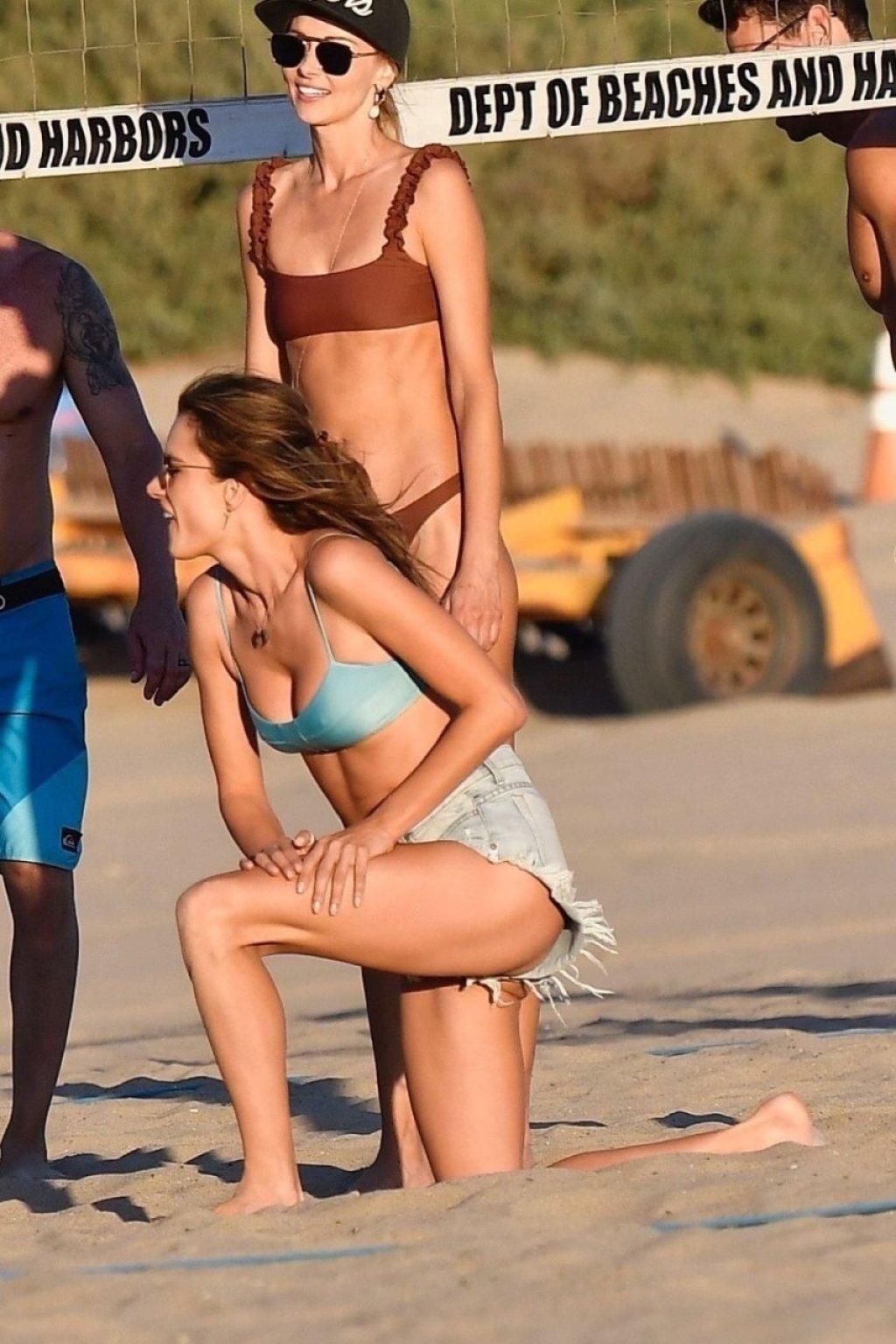 Alessandra Ambrosio Hot (175 Photos)