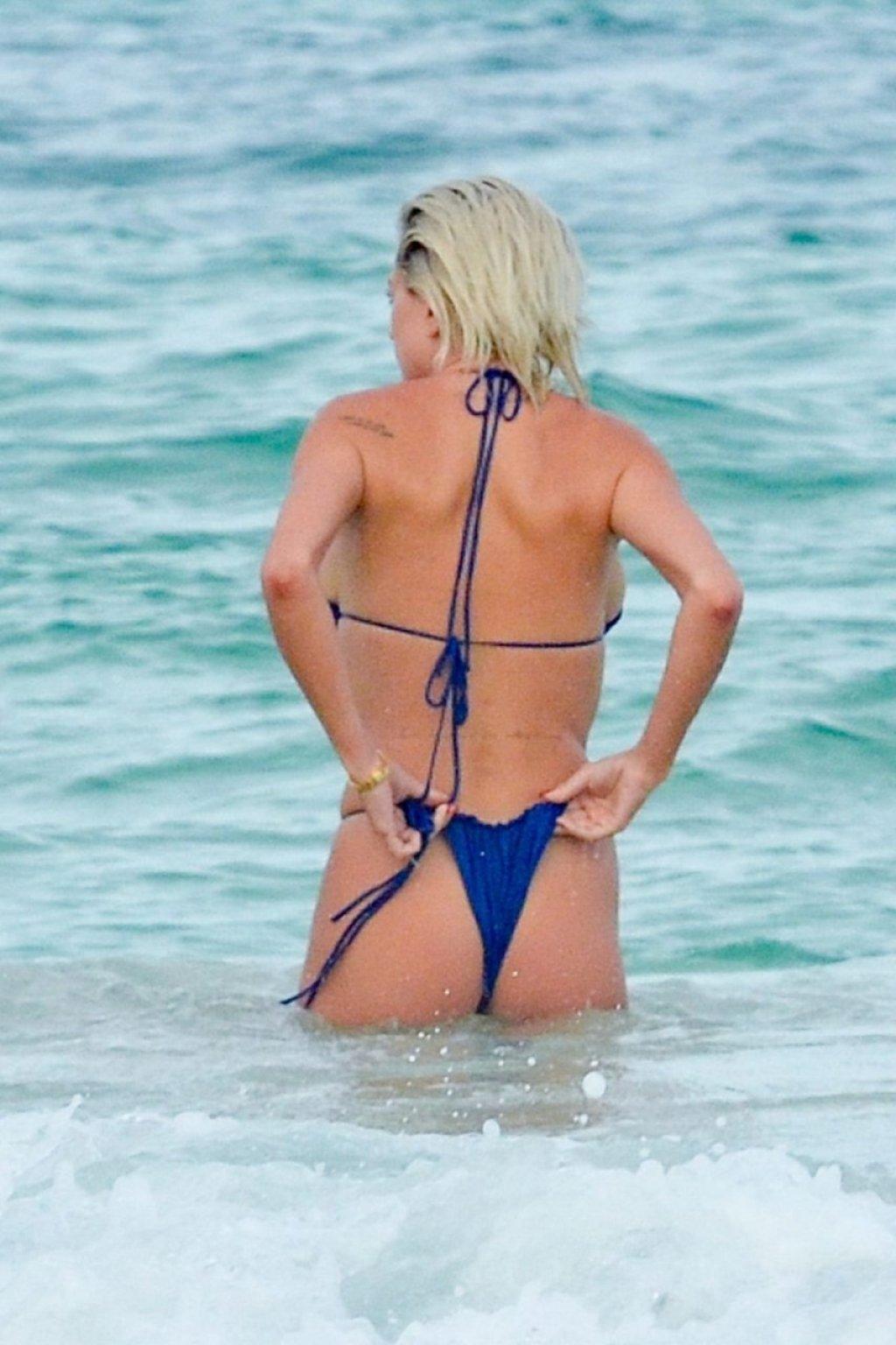 Caroline Vreeland Nude & Sexy (166 Photos)