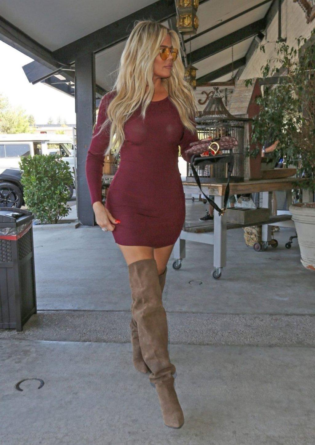 Khloe Kardashian Sexy (13 Photos)