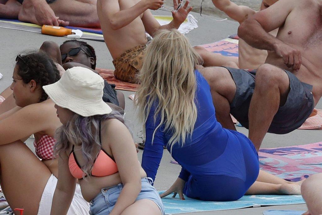Kylie Minogue Sexy (42 Photos)