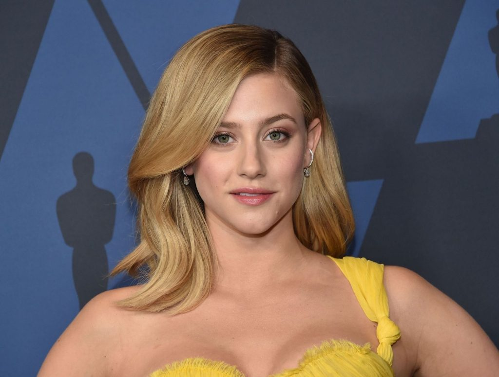 Lili Reinhart Sexy (16 Photos)
