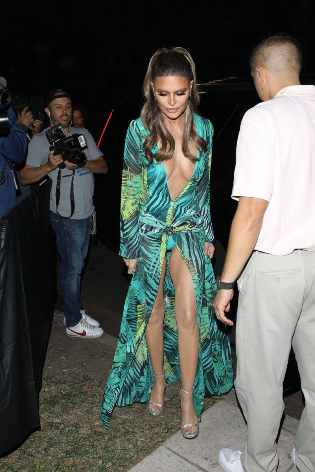 Lisa Rinna Sexy (66 Photos)