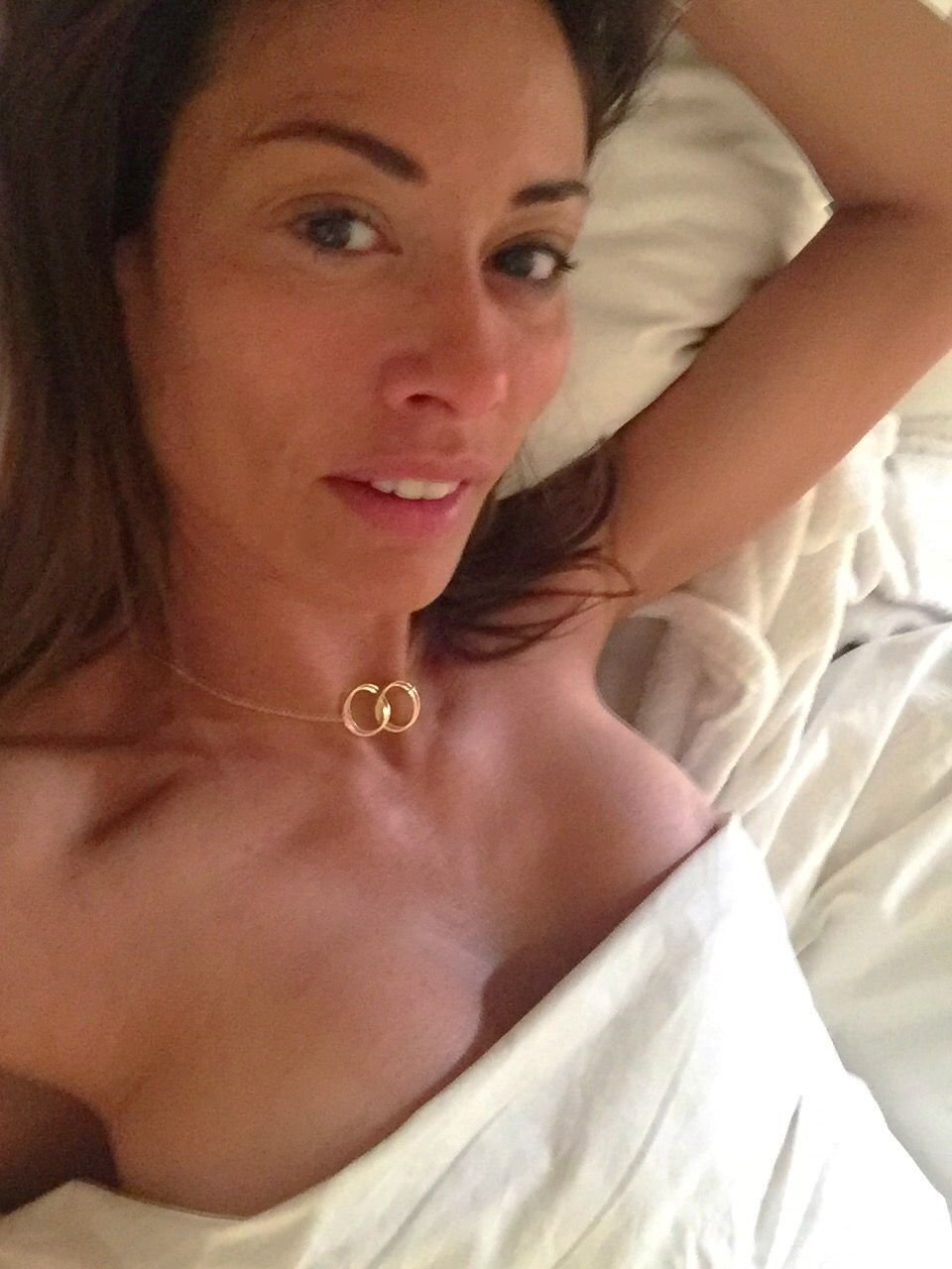Melanie Sykes Nude & Sexy Leaked The Fappening (4 Photos)