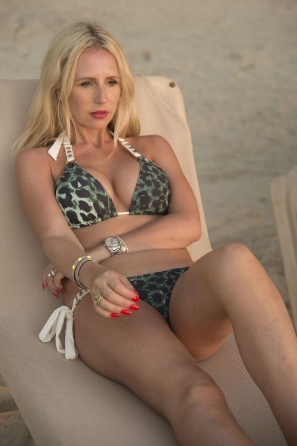 Naomi Isted Sexy (14 Hot Photos)