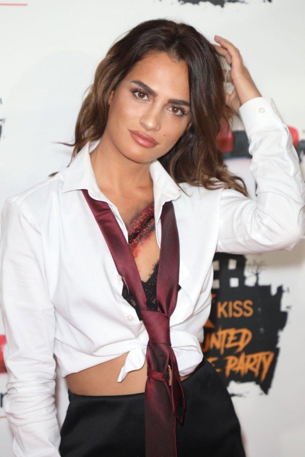 Nicole Bass Sexy (14 Photos + Videos)