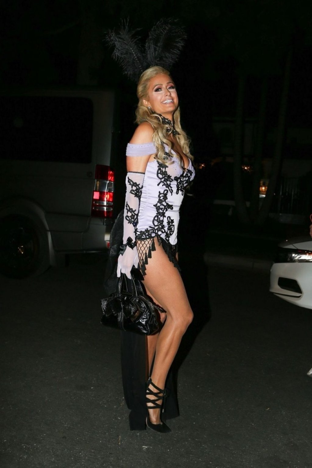Paris Hilton Sexy (33 Photos)