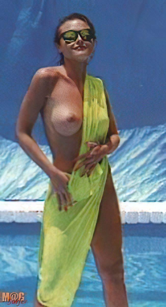 Alexandra Bronkers Nude (10 Photos)