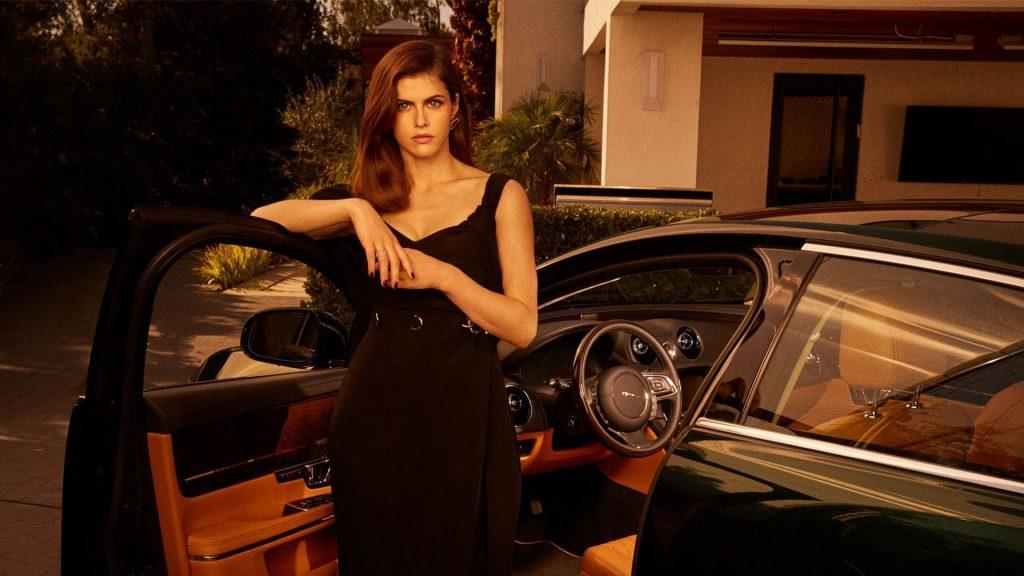 Alexandra Daddario Sexy (5 Photos)