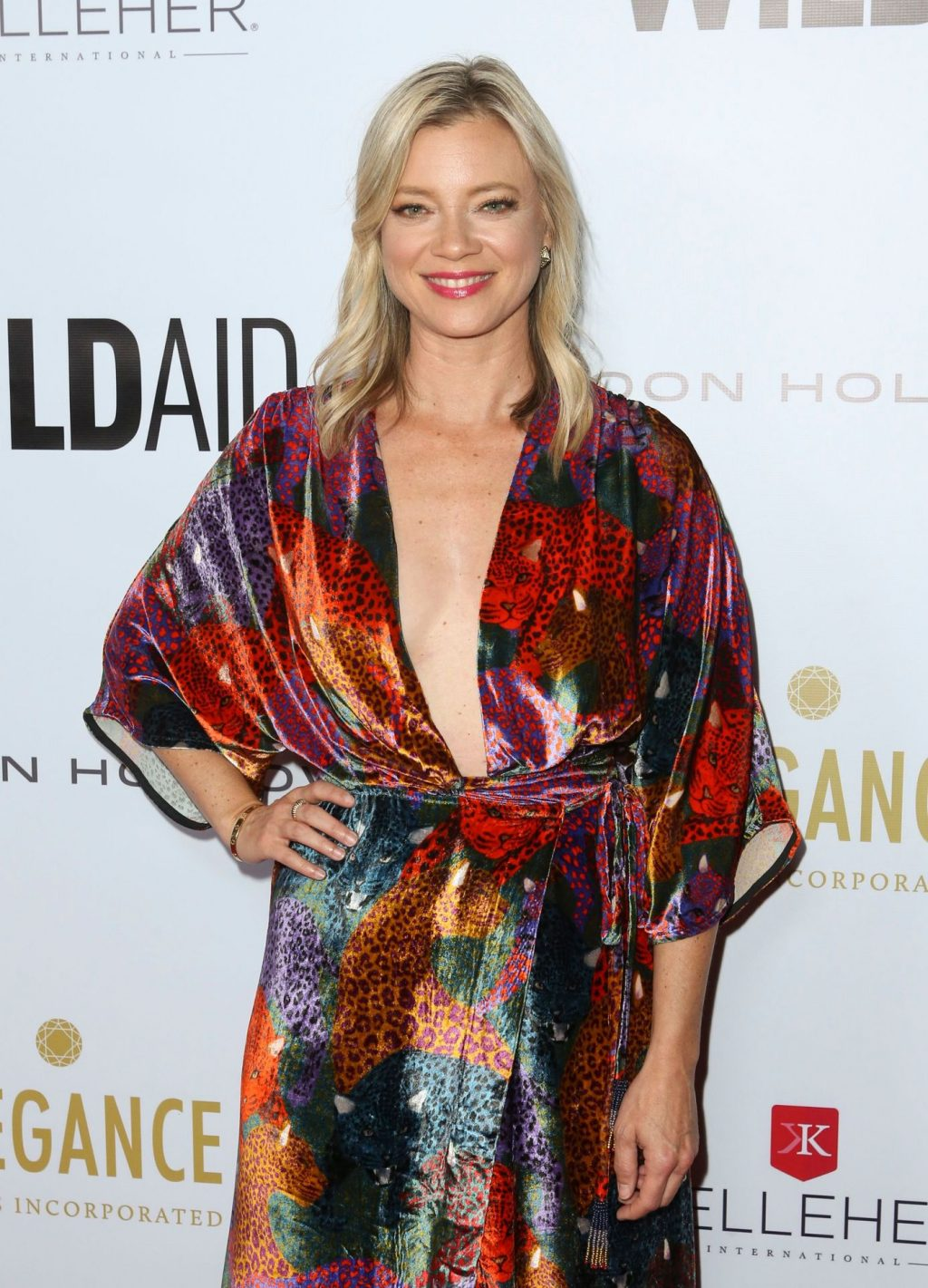 Amy Smart Braless (10 Photos)