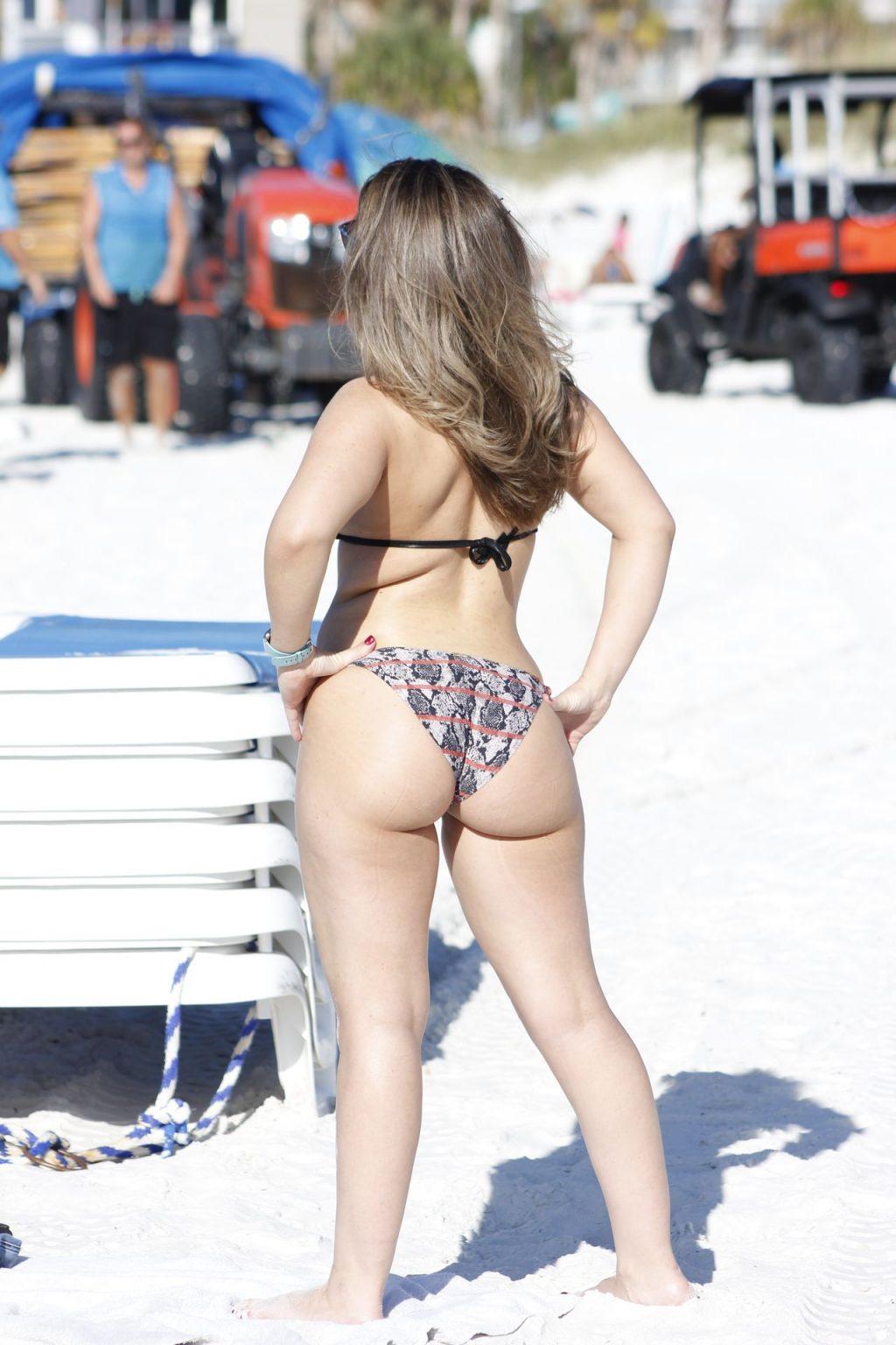Carmen Valentina Sexy (35 Photos)