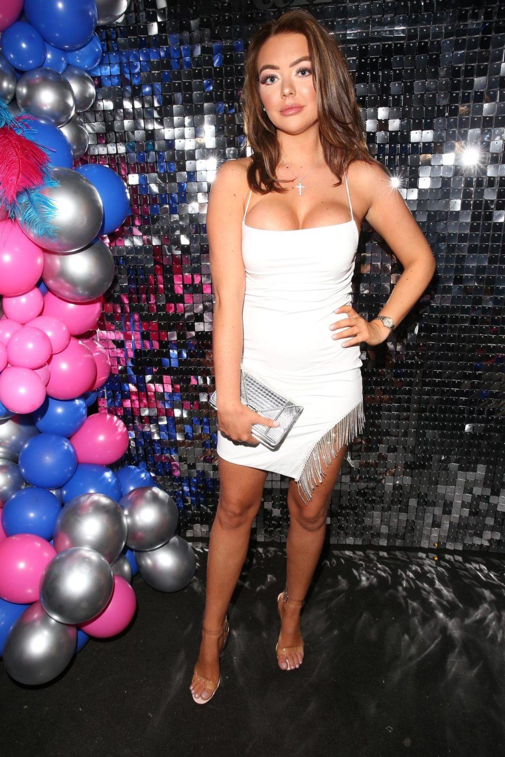 Chloe Bowler Sexy (20 Photos)