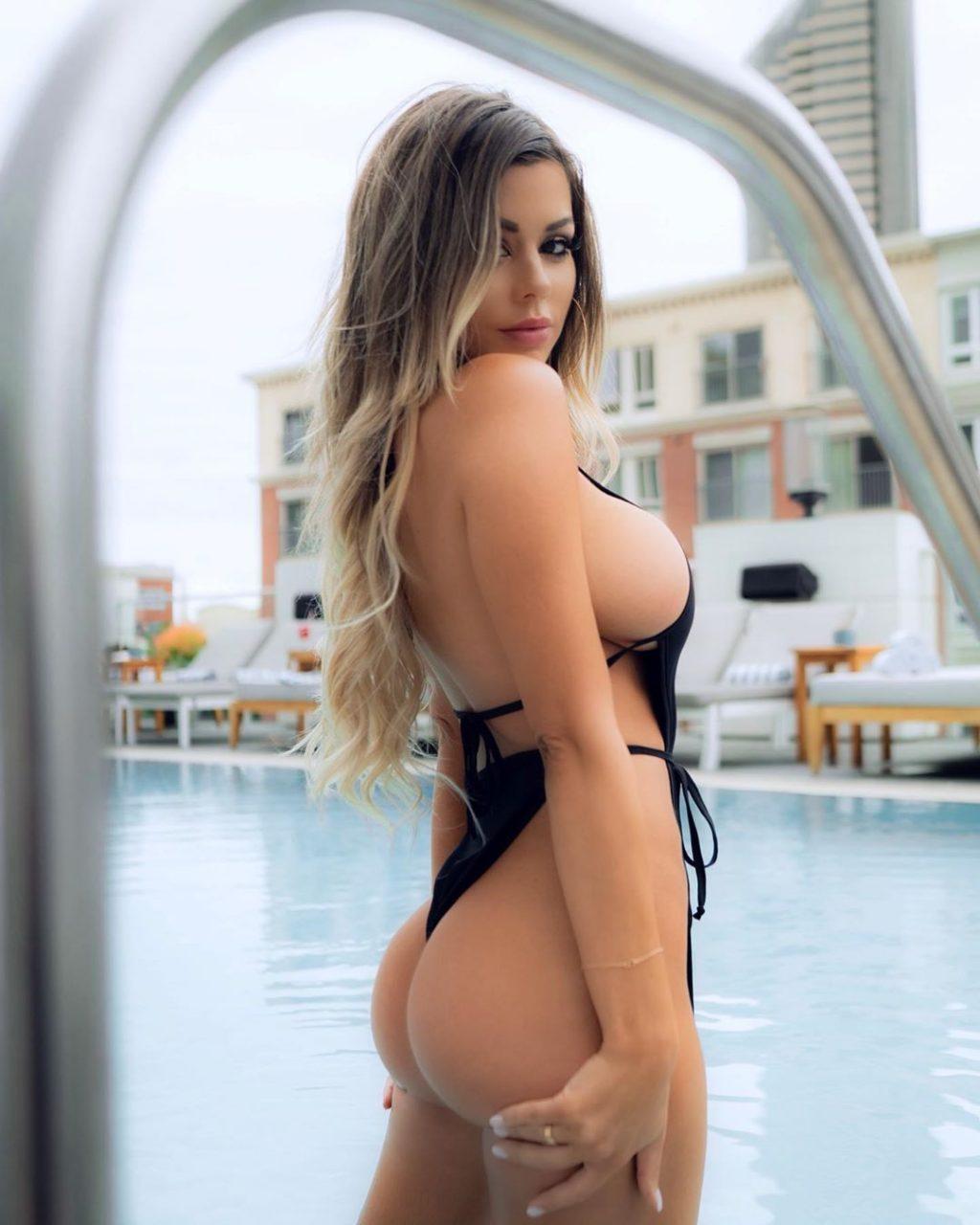 Juli Annee Nude & Sexy (127 Photos)