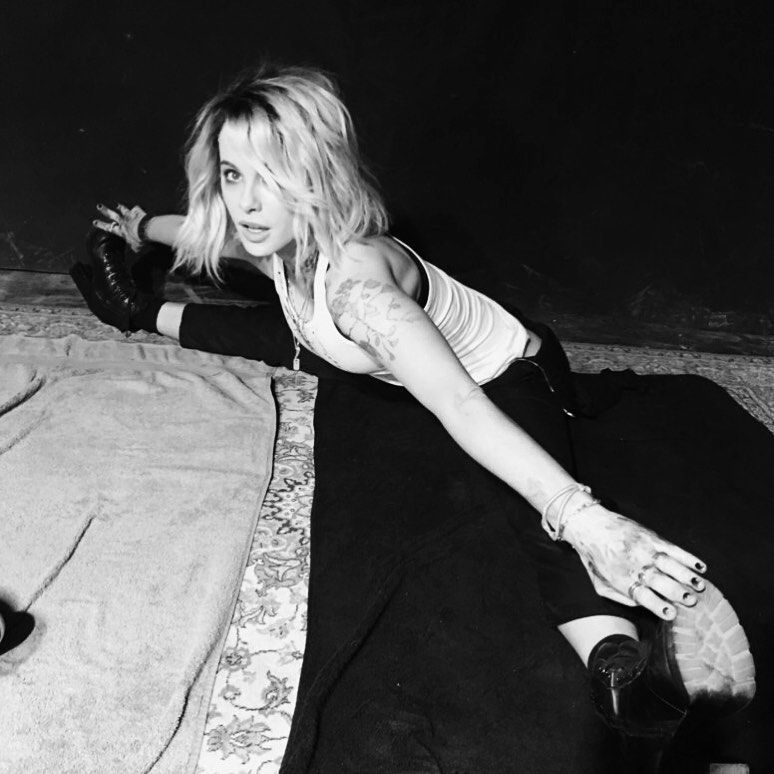 Kate Beckinsale Sexy (10 New Photos)