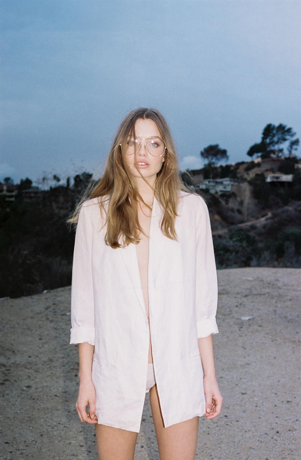 Kristine Froseth Nude & Sexy (31 Photos)