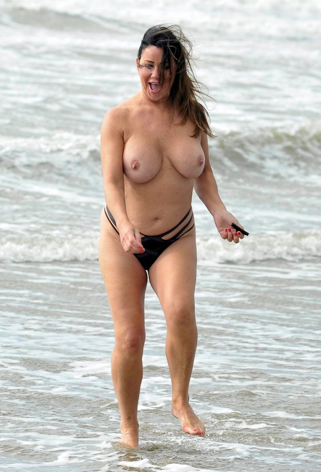 Lisa Appleton Topless (22 Photos)