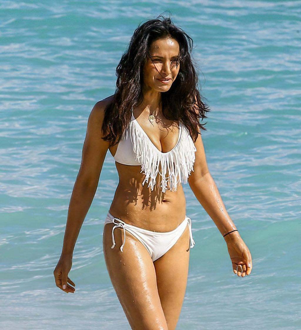 Padma Lakshmi Sexy (50 Photos)
