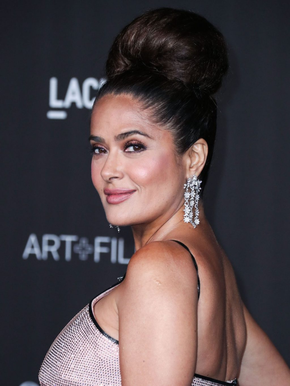 Salma Hayek Sexy (44 Photos)