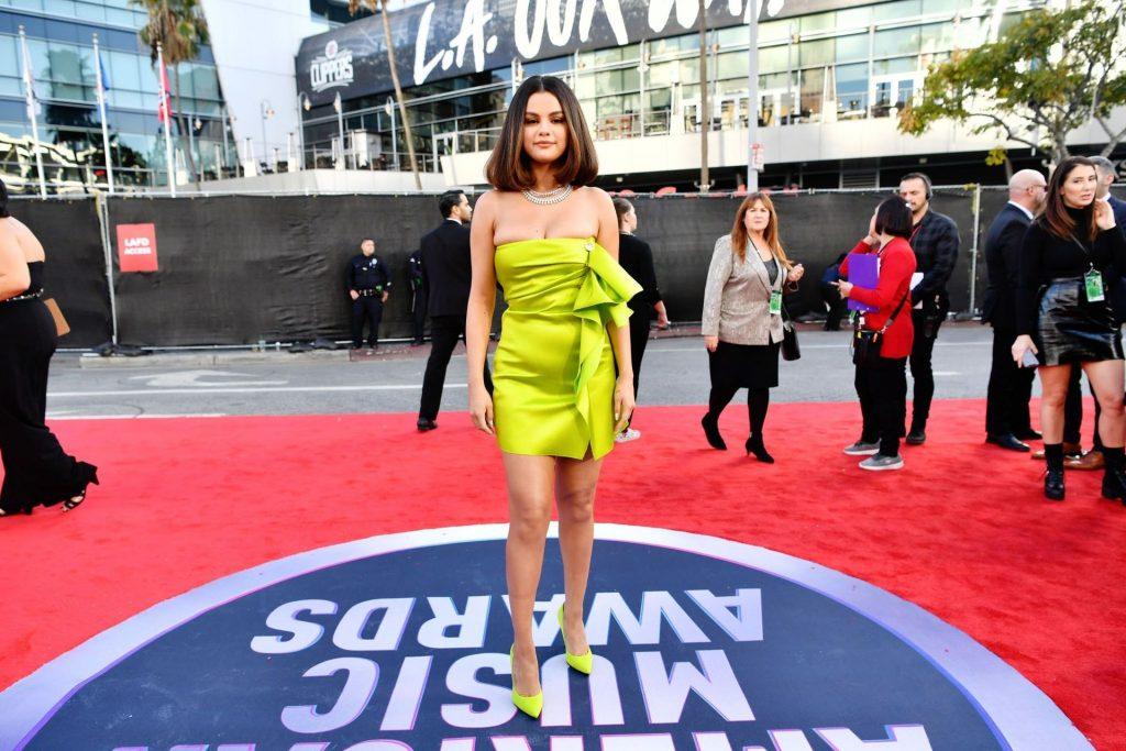 Selena Gomez Sexy (76 Photos)