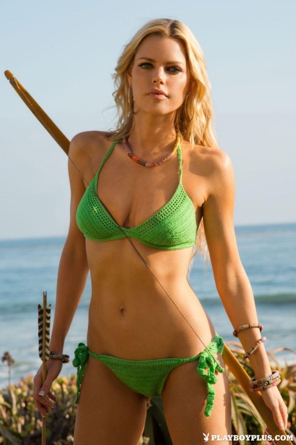 Sophie Monk Sexy (31 Photos + Videos)