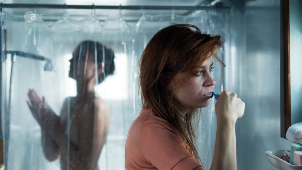 Svenja Jung Nude – Zarah: Wilde Jahre (6 Pics + GIF & Video)