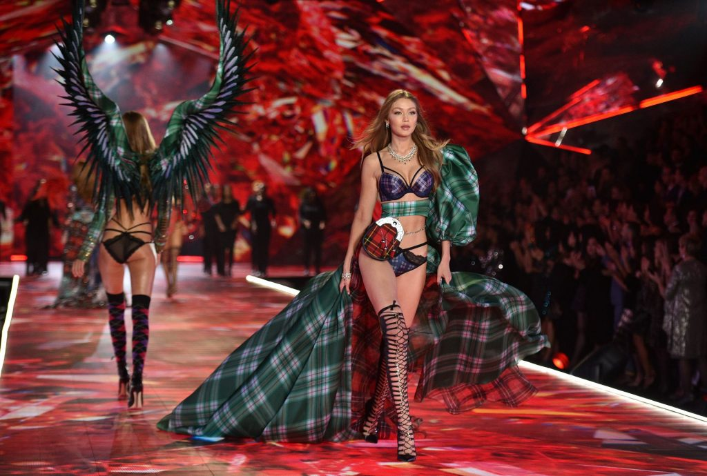 Victoria's Secret Cancels Must-See Fashion Show (18 Photos)
