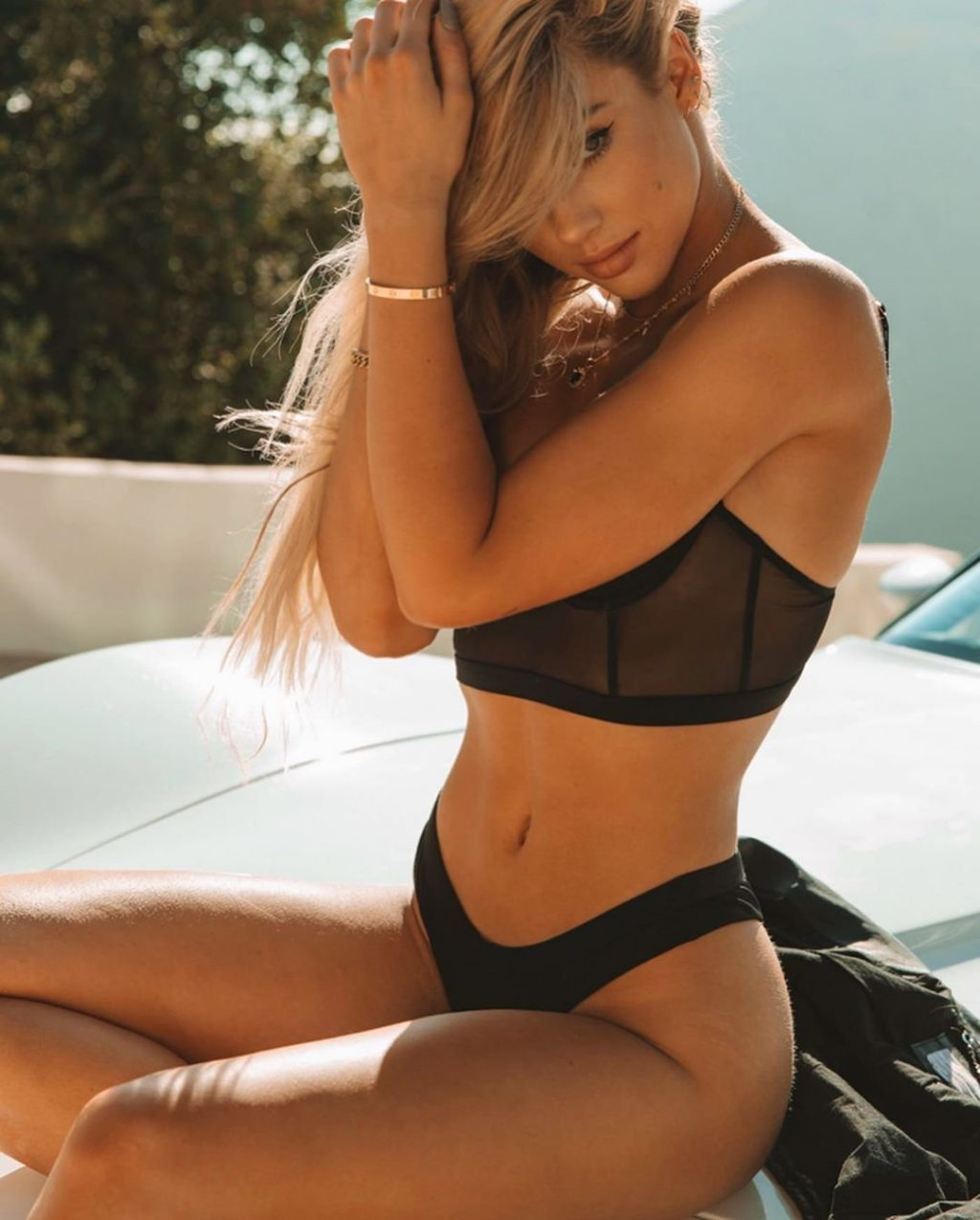 Charly Jordan Sexy & Topless (50 Photos)
