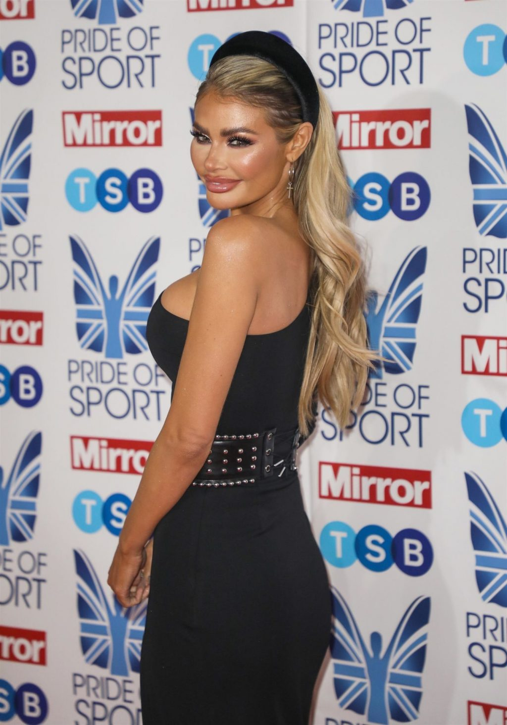 Chloe Sims Sexy (11 Photos + Video)