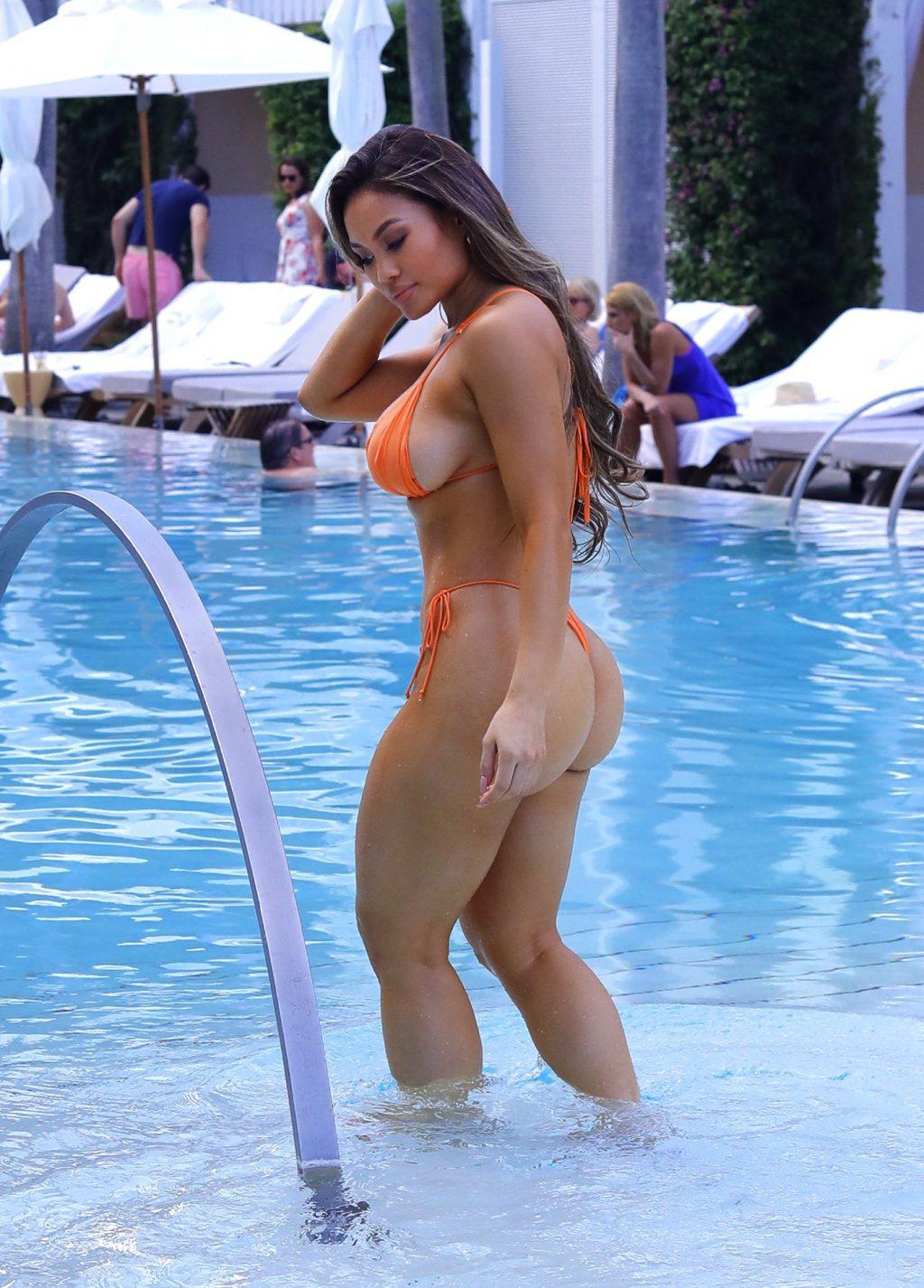 Daphne Joy Sexy (16 Photos)