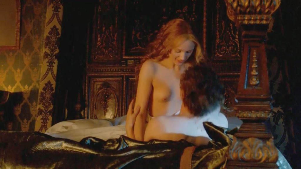 Emily Berrington Nude – The White Queen (4 Pics + GIF & Video)